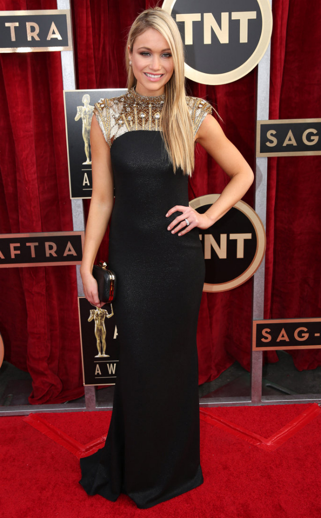 Katrina Bowden in Badgley Mischka - SAG Awards 2014