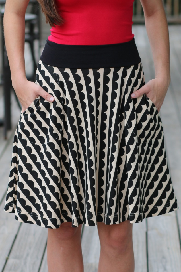 Wild Souls - Effie's Heart Carnaby Skirt in Black and Tan Scallop Print Skirt - www.shopwildsouls.com