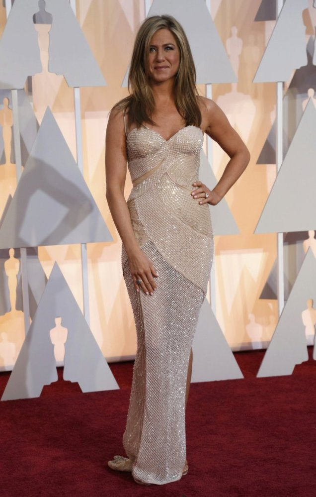 Jennifer Aniston in Versace at the 87th Annual Academy Awards // 2015 Oscars Red Carpet