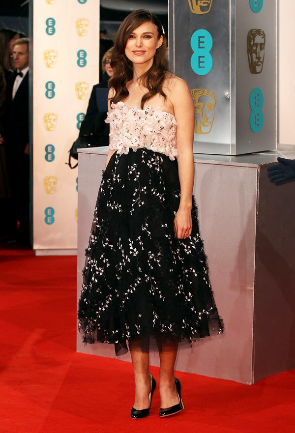 2015 BAFTAs Red Carpet Keira Knightley in Giambattista Valli Couture