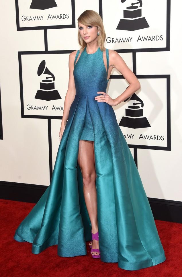2015 Grammy Award Red Carpet Taylor Swift in Elie Saab