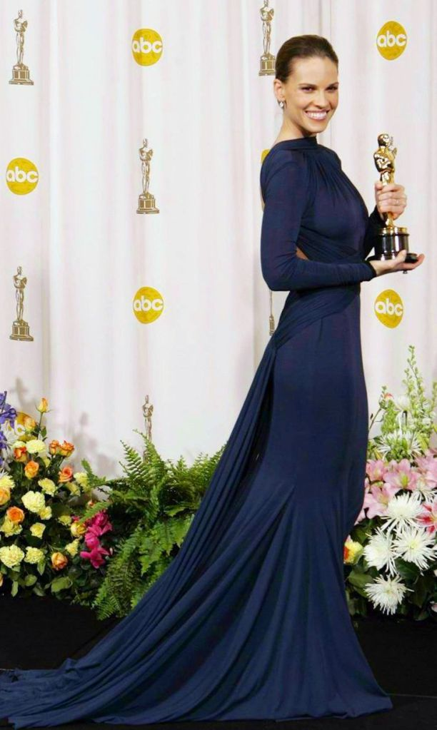 Hilary Swank in Guy Laroche at the 2005 Academy Awards