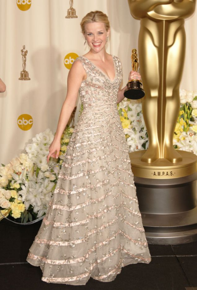 Reese Witherspoon in Christian Dior at the 2006 Academy Awards